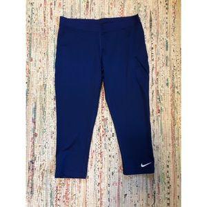 Nike Pro Capri work out pants